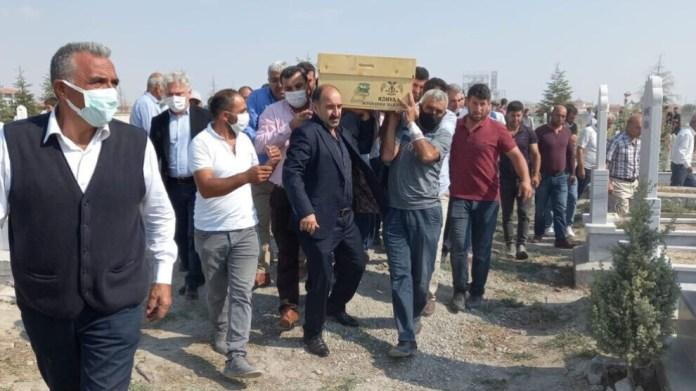 Selon l'Association des droits de l'homme, 7 personnes, dont 3 enfants syriens, ont été tuées et 32 ont été blessées dans au moins 14 attaques racistes en Turquie en 202A. Depuis 2010, 15 personnes ont été assassinées et 1097 personnes ont été blessées dans 280 attaques racistes.
