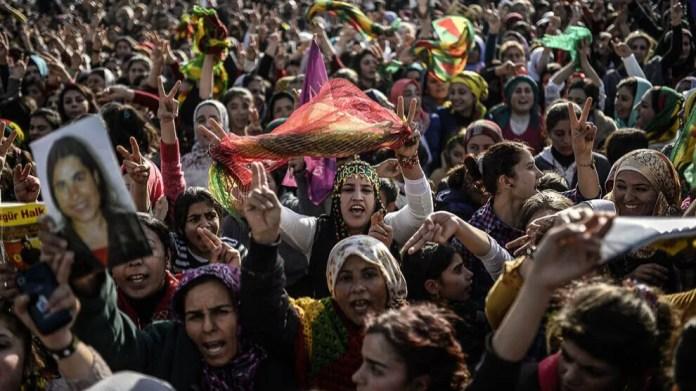 La plus haute structure du mouvement des femmes kurdes dans le monde a publié un communiqué appelant les femmes du monde entier à se mobiliser afin d'accroître la solidarité pour les femmes et les peuples d'Afganistan.