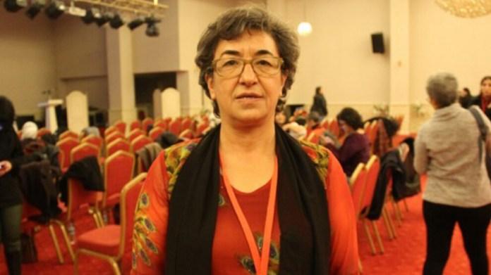 Lors de l'audience du procès d'Ayşe Gökkan, la police intervenant à la demande du président du tribunal a brutalisé les avocats de la défense