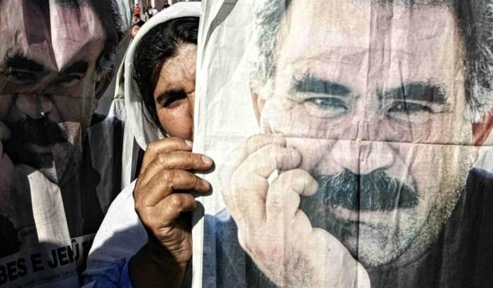 Un sit-in de quatre semaines aura lieu à Strasbourg, à compter du 2 octobre, pour réclamer la fin de l'isolement carcéral et la libération du leader kurde Abdullah Öcalan. Les personnes et groupes intéressés sont invités à y participer. Des militants de toute l'Europe y sont attendus.