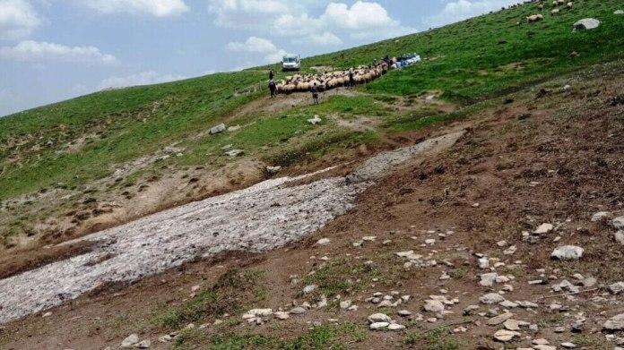 Traversée d'une multitude de points de contrôle et de zones militaires strictes, la province de Hakkari, au Nord-Kurdistan, a été transformée en prison à ciel ouvert par le régime islamo-nationaliste turc.
