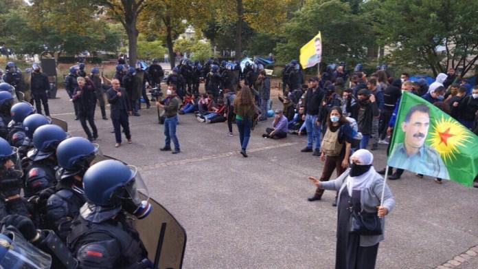 Le groupe de campagne « La liberté l'emportera, agir pour Öcalan» a condamné l'intervention violente de la police française à Strasbourg