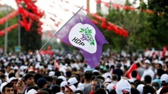 La députée HDP Feleknas Uca a dénoncé des pratiques arbitraires suite à l'arrestation de membres et représentants de son parti au Sud-Kurdistan