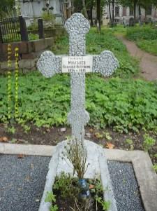 AM Grave