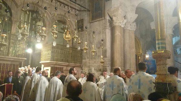 7_1_Jerusalem-The-Church-of-the-Lord's-Tumn-Divine-Liturgy-web