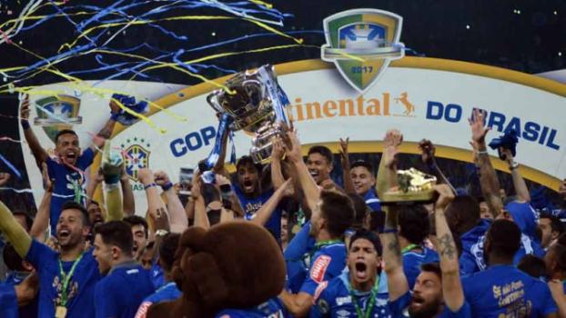 Fábio pega pênalti de Diego, e Cruzeiro é penta da Copa do Brasil
