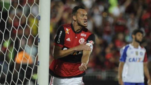 Em noite de Réver e Diego, Flamengo goleia o Bahia na Ilha do Urubu