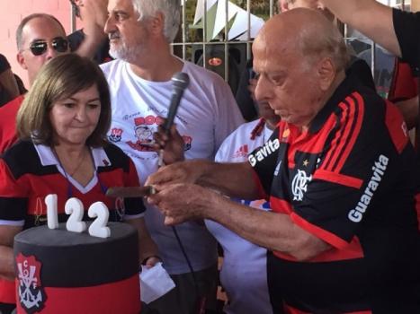 Com ídolos de 80, Fla comemora 122º aniversário na Gávea