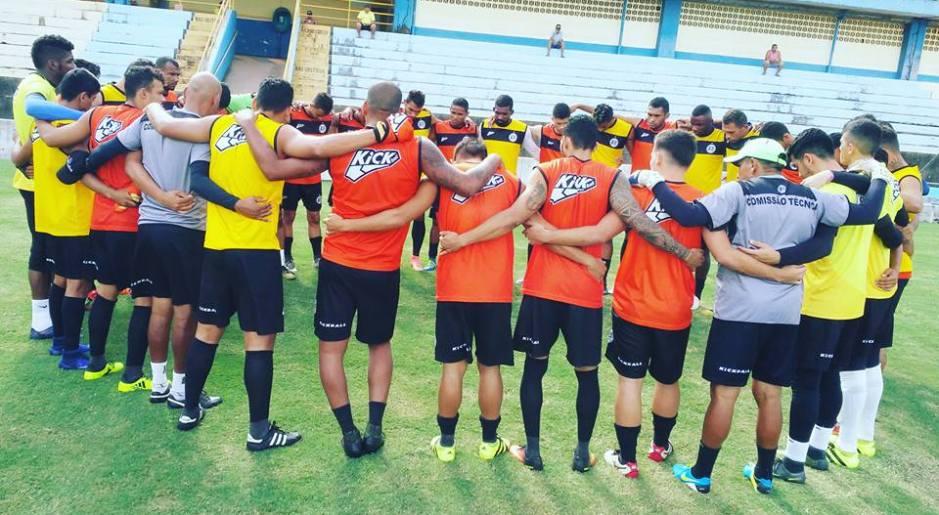 de367c1444e40 Titulares do São Raimundo vence primeiro coletivo no Colosso