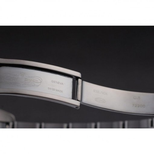 Ion-plated cutwork bezel with luminous white dual time zone markers