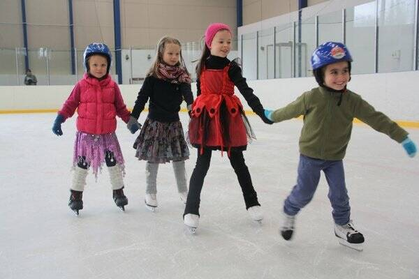 Как подготовить ребенка к катанию на коньках
