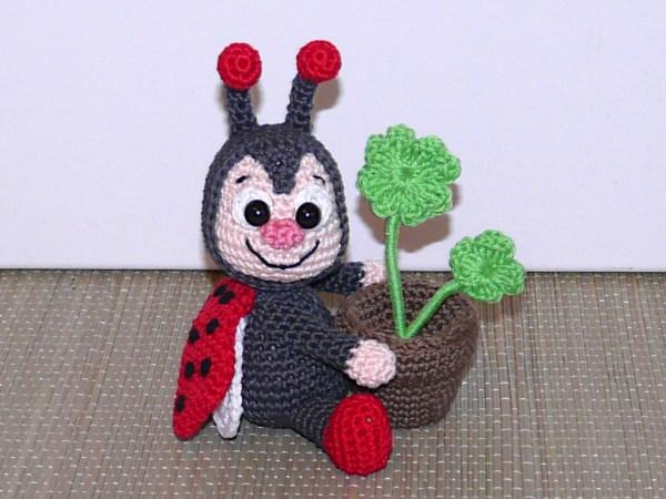 Amigurumis Marienkäfer mit Blumentopf Amigurumi