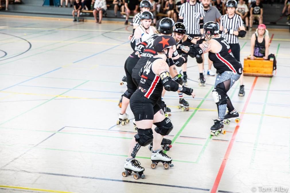 harbor-girls-munich-rolling-rebels-77