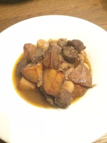 SCHALOM Tscholent- Rinderragout mit Kartoffeln und weißen Bohnen