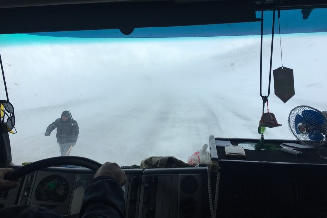 Snow-storm-on-a-mountain-pass-in-kyrgyzstan