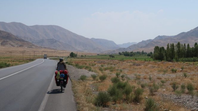 Cycling-in-iran