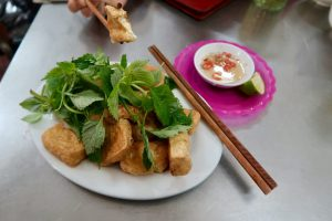 Fried-tofu-with-dipping-sauce