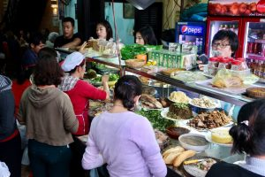 Ladies-preparing-banh-mi