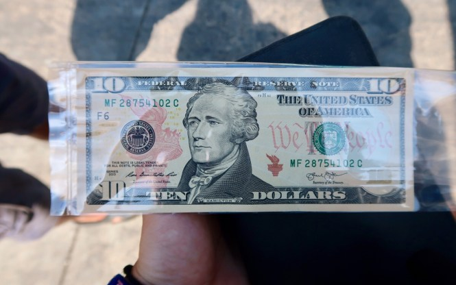 brand-new-ten-dollar-note