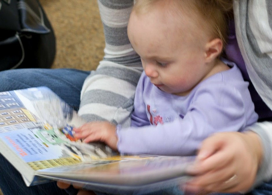 5 Great Benefits of Reading to Babies from Birth
