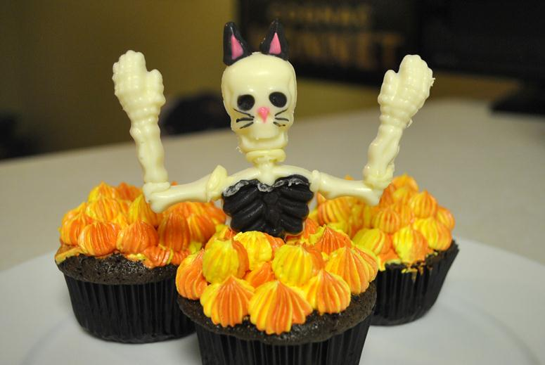 Sexy Kitten Skeleton Cupcakes Rolling Sin Sweets After