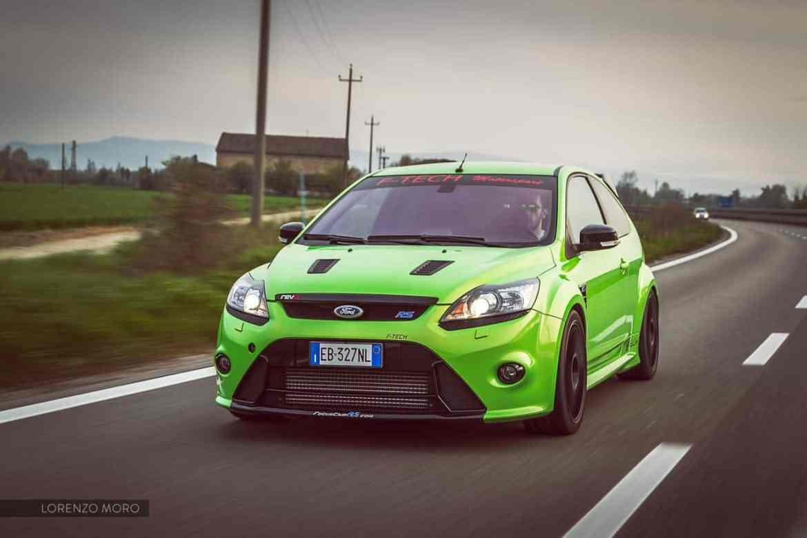 ford focus rs road front