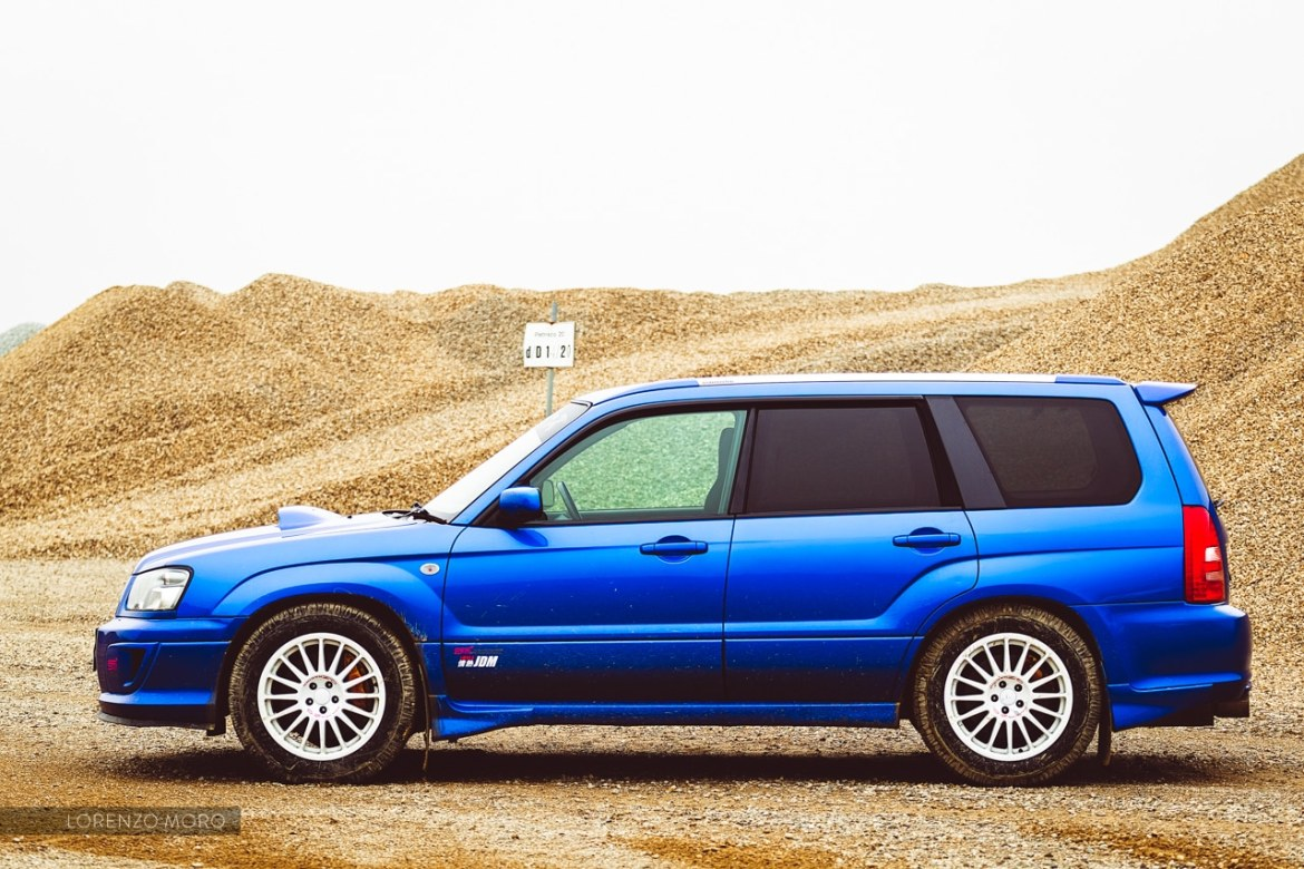 Forester STI side