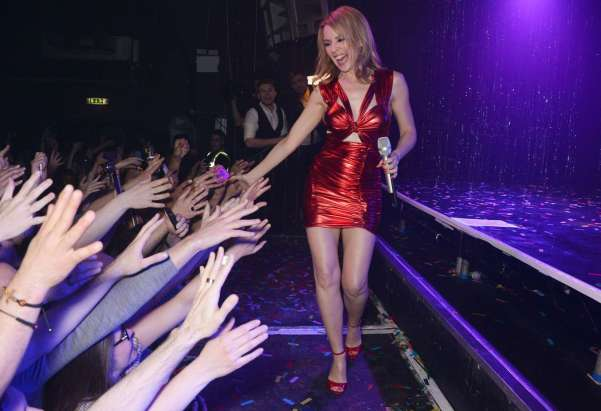 Kylie-Minogue-Live-in-London--16