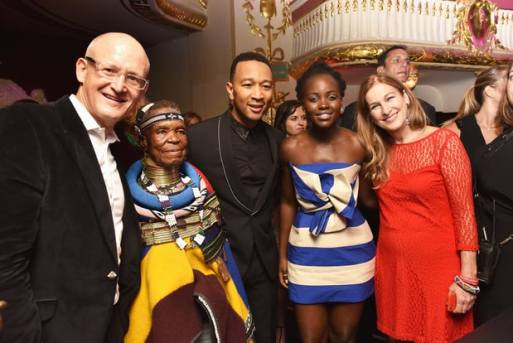 Legend with Belvedere Vodka president Charles Gibb, artist Esther Mahlangu, actress Lupita Nyong'o and (RED) CEO Deborah Dugan. Photo :Jared Siskin