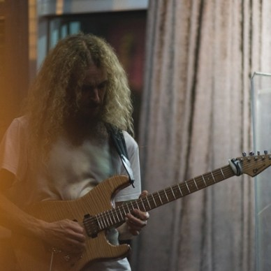 Guthrie Govan: 'I Like It When You Can Go Beyond 100 Percent'