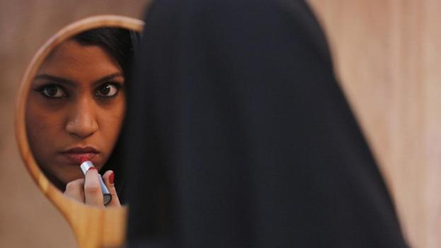 konkona-burkha-sharma-under-lipstick-still