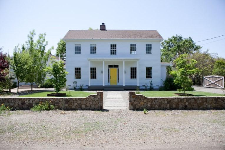 modern farmhouse sonoma landscape