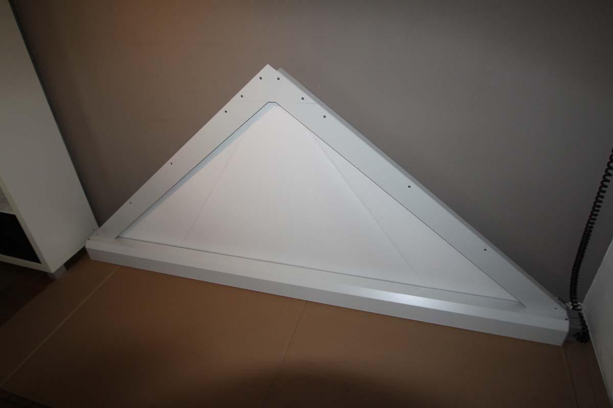 schr ge fenster verdunkeln trapez sonnenschutz und. Black Bedroom Furniture Sets. Home Design Ideas