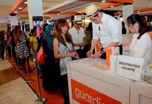 Guardian (2) Excited shoppers started queuing from morning at the Guardian Makeover 2016