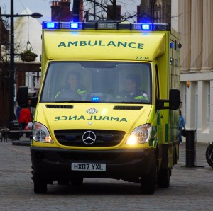 Ambulance_with_wig-wag