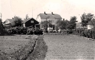 Mor Jacobsens kafe i H.N. Haugesvei 46, sett fra baksiden