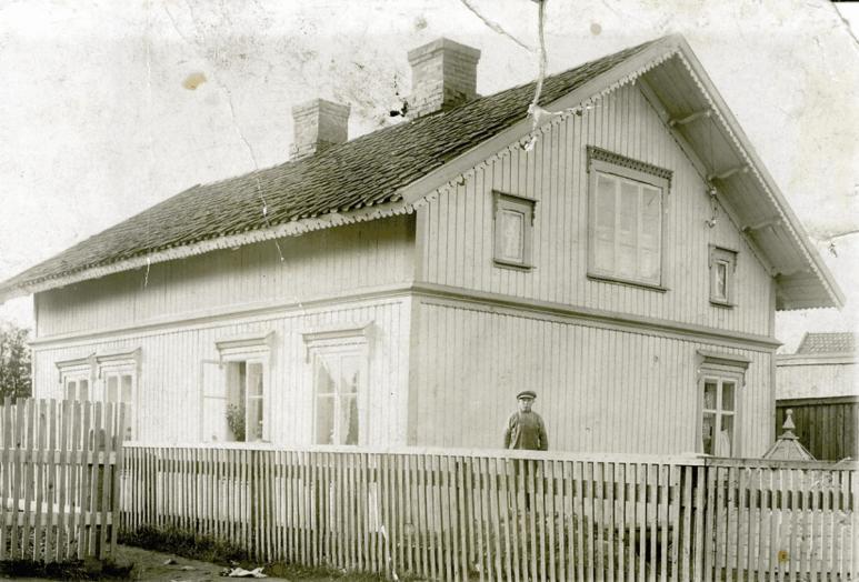 Ellen Andresen hadde kafe og senere Karl Johnsens klippebu i H. N. Haugesvei 53