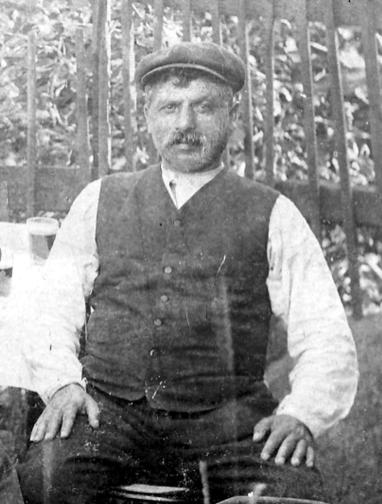 Skreppekar/kremmer Salomon først på 1900-tallet.