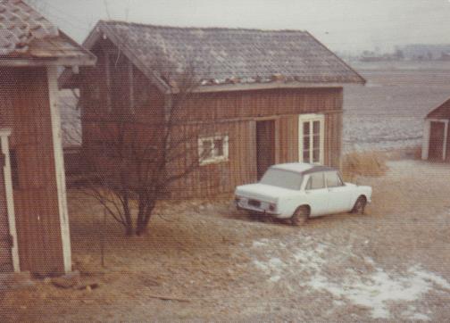 Fra tunet på Haugeli 1976. Fotograf ukjent.