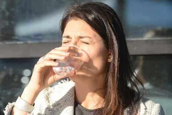 Virginia Raggi la Favolosa inventa l'ordinanza anti-alcool ad personam: nel suo Municipio non vale