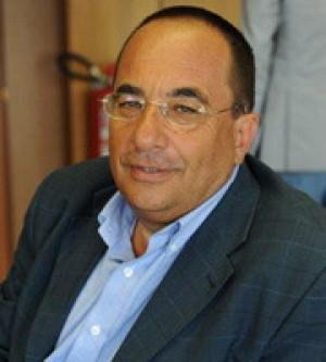 Raccolta rifiuti, arrestati per truffa un consigliere del Lazio e  altri sei