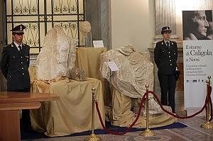 Caligola, ritrovata la statua colossale svela il vero volto dell'imperatore