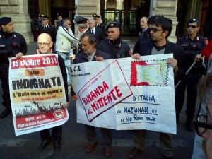 """""""Indignati"""" contro la crisi flash mob a Bankitalia"""