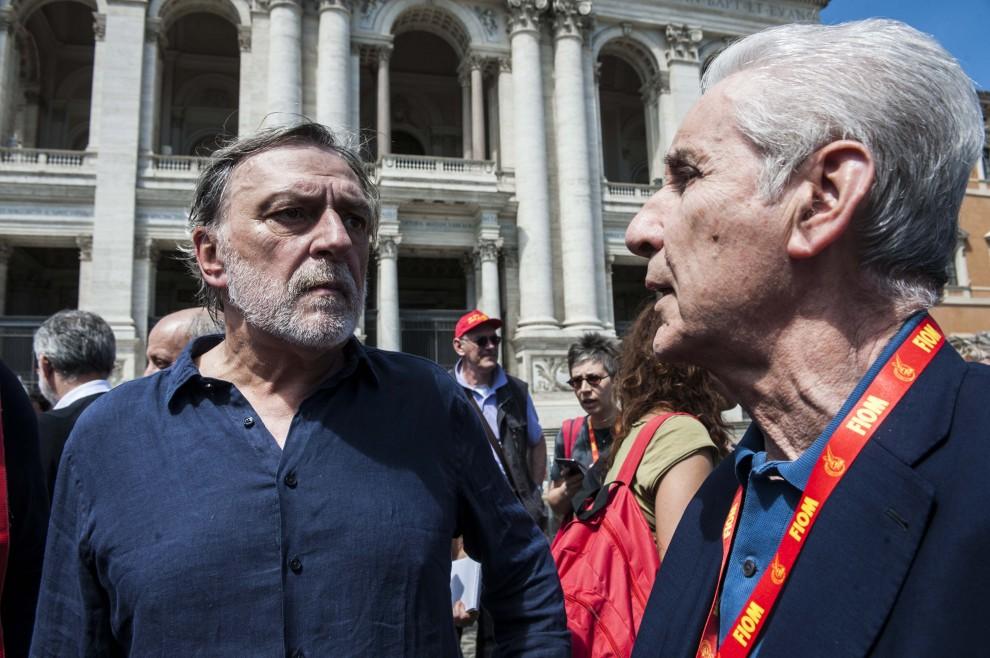 Gino Strada e Stefano Rodotà alla manifestazione della Fiom