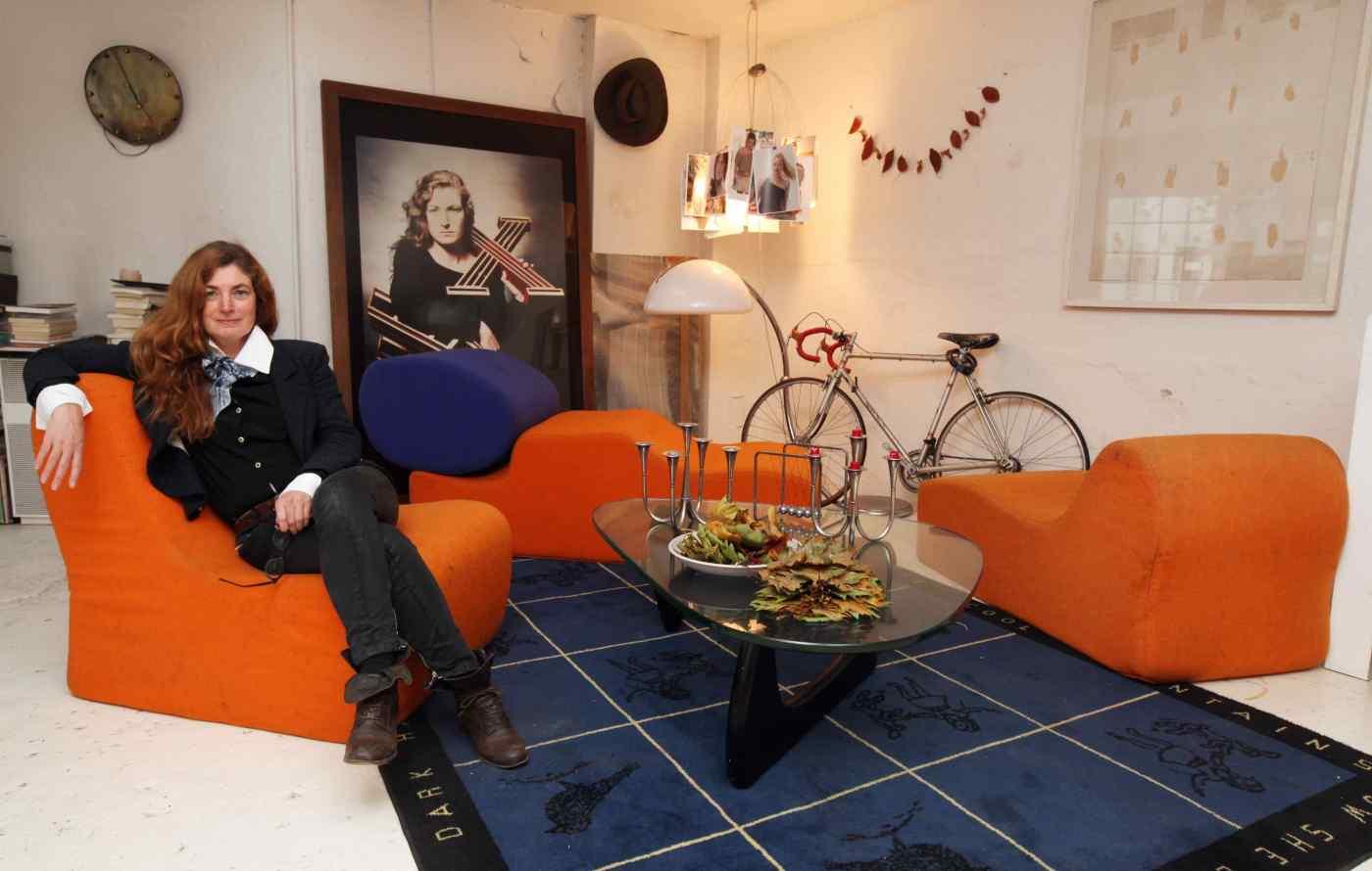 Birgit Gräfin Tyszkiewicz zeigt ihr Wohnzimmer