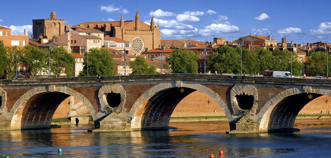 The-Pont-Neuf-at-Toulouse