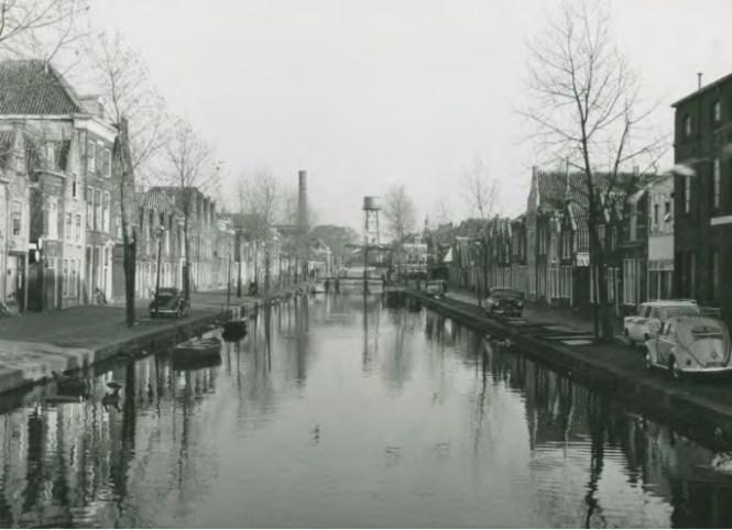 Vroeger beeld van de Langegracht (omstreeks 1930) Beeld Gemeente Leiden