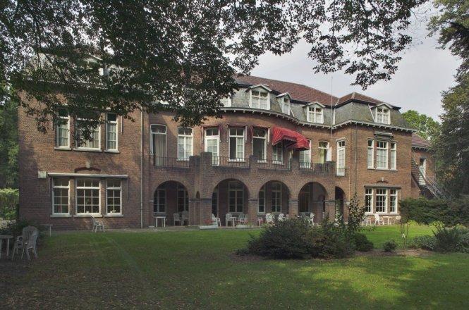 Sint Annapark in Venray is een voormalige psychiatrische zorginstelling die wacht op een nieuwe bestemming. Beeld RCE