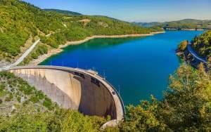 Το τραγικό ναυάγιο που σημάδεψε τη δημιουργία της Λίμνης Πλαστήρα