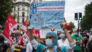 Coronavirus: France's health workers given pay rises worth €8bn